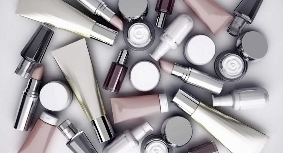 Makeup with certain ingredients may cause cancer
